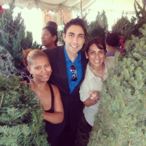 Jesus Zeus Salas giving away trees to the community